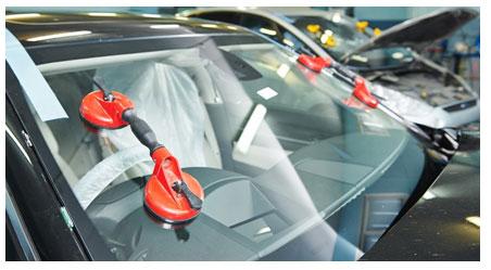 Замена стекол в авто, замена стекла в автомобиле, замена лобового стекла